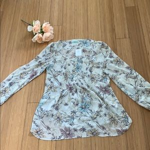 NWT Kimchi Blue floral top